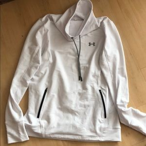 *MOVING SALE* cute Under Armour women's top